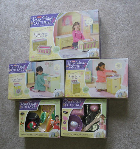 Review Hasbro Rose Petal Cottage Mom Of 3 Girls
