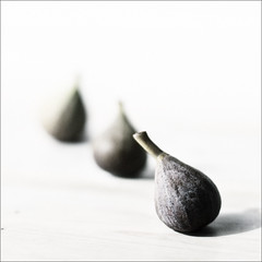 zen road food : feral figs #2 photo by Bhagavati : @bhagavatiji