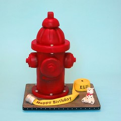 Fire Hydrant Cake photo by dahliascakes