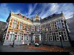Utrecht University... largest in Netherlands! (Academiegebouw) photo by B'Rob