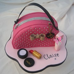 cosmetic bag cake photo by karenlindsay24