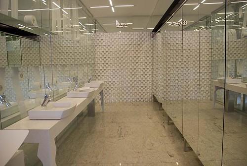 Diseno De Baños Para Ninas:Baños Públicos en Casa FOA