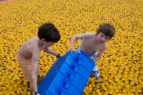 Juanita bay duck race