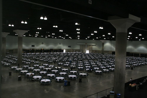 Lunch seating for 3500