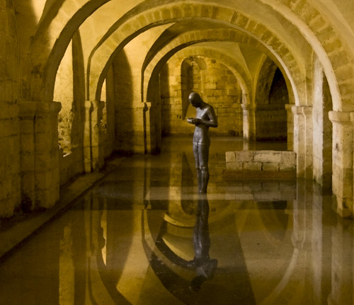 Winchester Cathedral Nearly Sank - Lizzy Bradbury