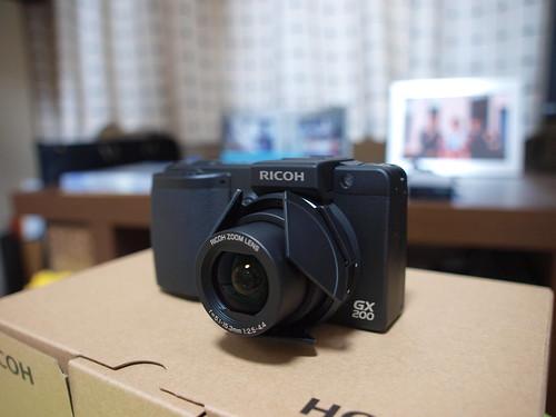RICOH GX200 + LC-1