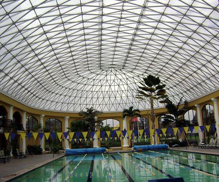 Los techos de policarbonato la soluci n ideal para for Cubiertas para techos livianas