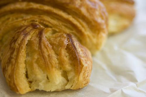 Patisserie Cluade Croissant