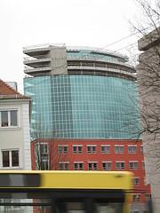 Hotelturm in Würzburg, nicht fertiggestellt, aber wieder sauber.