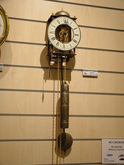We're back to Bucherer to do the last minute shopping... and I buy this clock... fully mechanical, 7-day clock.