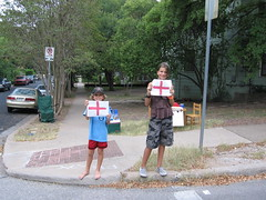 Cass & Liam sell lemonade for Katrina relief