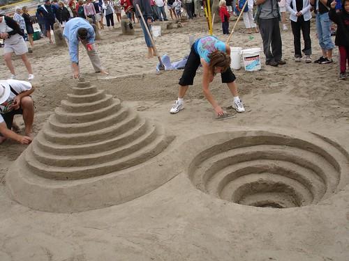 Capitola Sandcastle Contest, Reverse Spiral