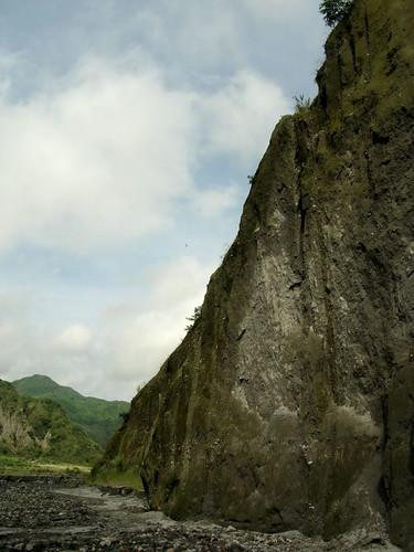 pinatubo rough mountain face