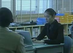 日劇「女王の教室」- 天海祐希與 PowerBook G4 15