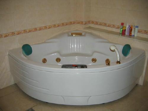 master_bath_1
