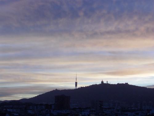 Puesta de sol tras el Tibidabo