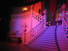 Le majestueux escalier du hall