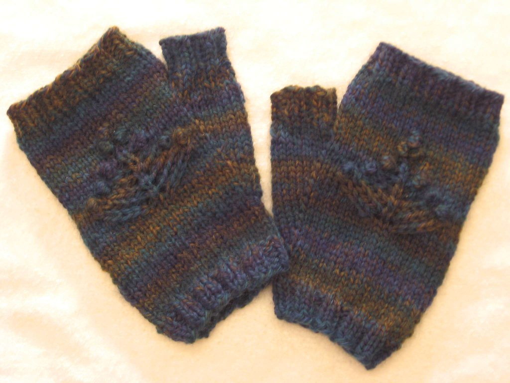 Photo of fingerless mitts