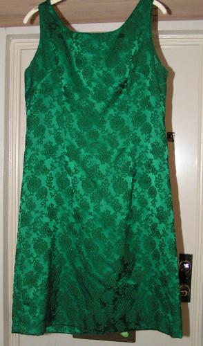 Grön klänning.