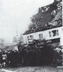 1944- Franche Comté-Vosges- Giromagny - Char light US Source   La Voge 2012 Hors série - Libération du Pays sous-vosgien AHPSV