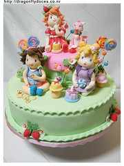 Strawberry Shortcake Cake/ Bolo Moranguinho Baby photo by Dragonfly Doces