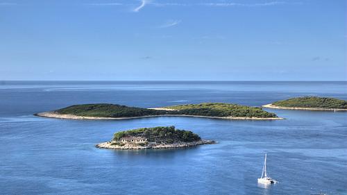 Isola hvar pharos hvar isola di lesina for Croazia camere