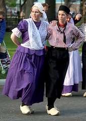 Dutch Dancers
