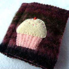Berry Cupcake needlebook photo by refabulous