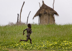 Back home before the storm Ethiopia photo by Eric Lafforgue