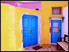 The Coloured House - La casa Colorata (Santorini) photo by Andrea Guandalini