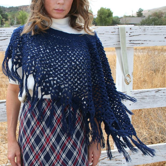 Bernat: Pattern Detail - Soft Boucle - Boa - Lace Poncho and Cap