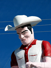 Cowboy Muffler Man - Route 66, Gallup, New Mexico photo by Vintage Roadside