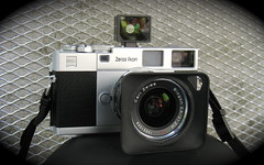 ZI Rangefinder with 21mm f/2.8 photo by Riex
