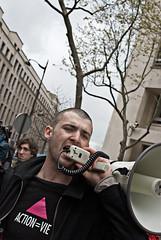 Dépôt de boîtes de médicaments vides devant le ministère de la santé en protestation contre les franchises