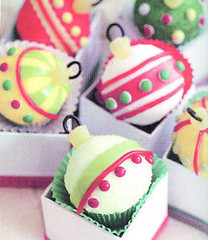 Edible cupcake ornaments from Hello, Cupcake! photo by Rachel from Cupcakes Take the Cake