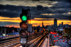 Manhattan Bound: Green light photo by Tony Shi.