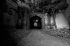 Egyptian Avenue - Highgate Cemetery photo by nick.garrod