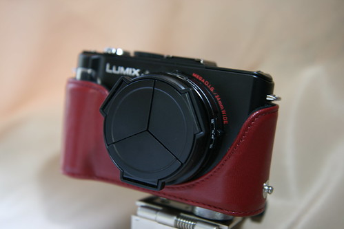 DMC-LX3 with Eveready Case RED 3/3