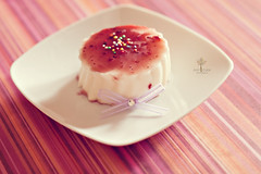 Panna cotta con salsa ai frutti di bosco photo by Just a Click {♥ fotografie ♥}