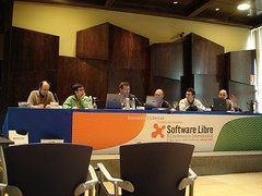 Mesa redonda universidad y software libre