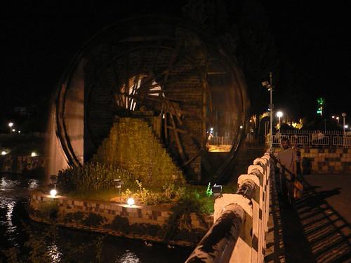 ハマの水車