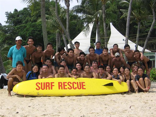 teamNUS Lifesaving: after a training session at Sentosa Siloso Beach