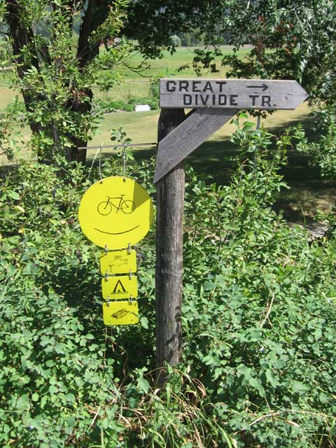 great divide trail sign
