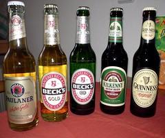 Bierflaschen-Parade