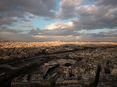 Vista de Sacre Coeur desde la segunda planta de la torre Eiffel
