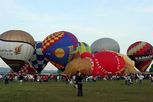 10th Balloon Fiesta (Feb. 12, 2006) - 24