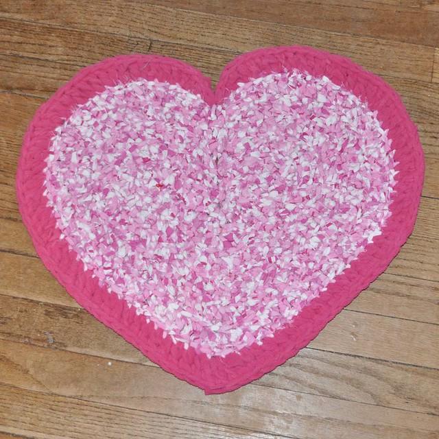 Star Wars Crochet Dolls Free Pattern : HEART CROCHET RUG - Crochet Learn How to Crochet
