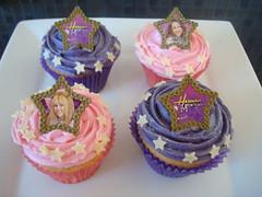 Hannah Montana cupcakes photo by Angelina Cupcake