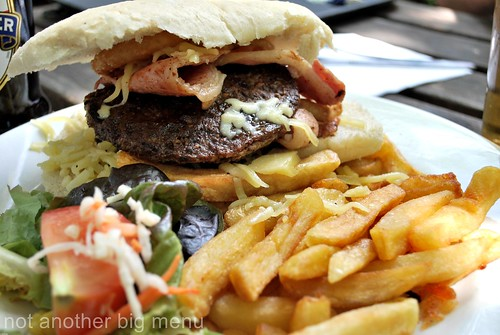 The Lock Inn - The Gert Lush burger 2
