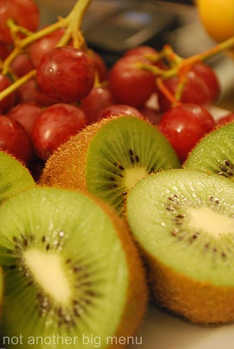Grapes and kiwi 1